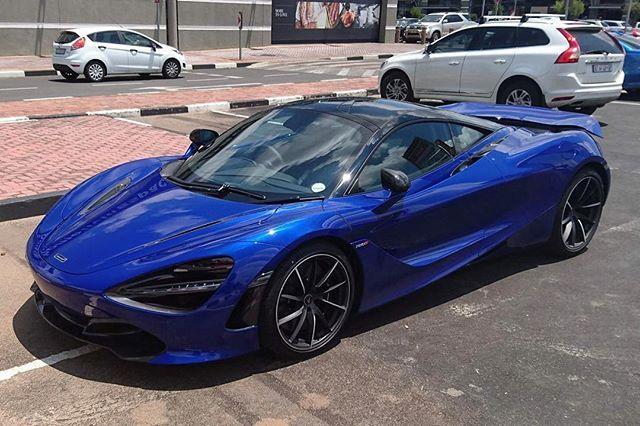 McLaren 720S Aurora Blue