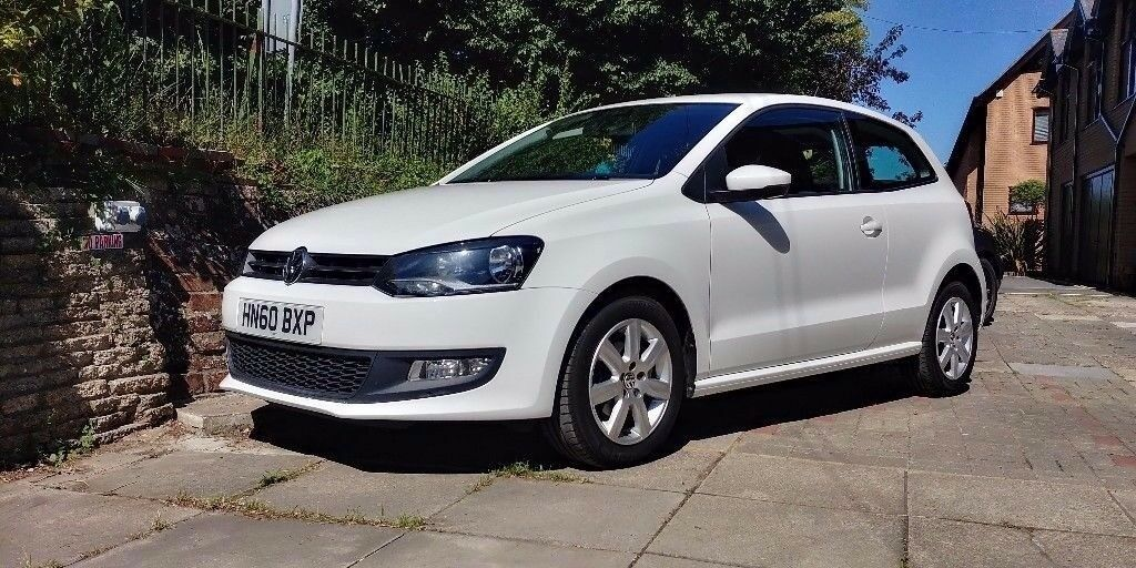 Volkswagen Polo Candy White