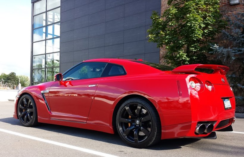 Nissan GTR Solid Red