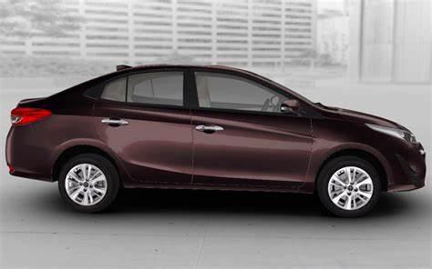 Toyota Yaris Phantom Brown