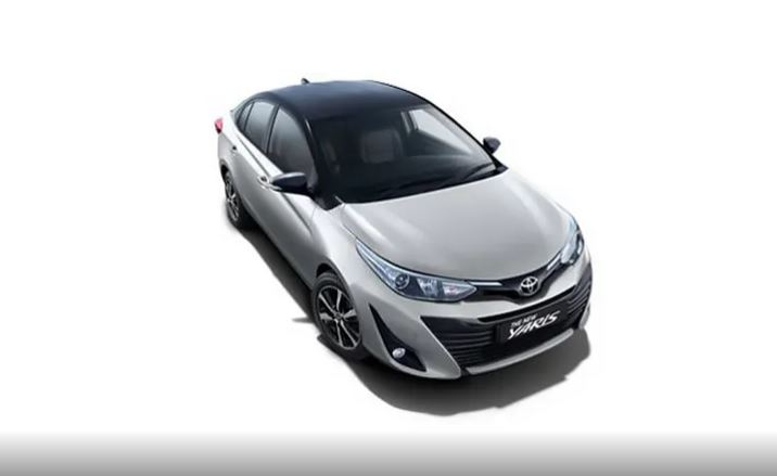 Toyota Yaris Silver Metallic With Attitude Black