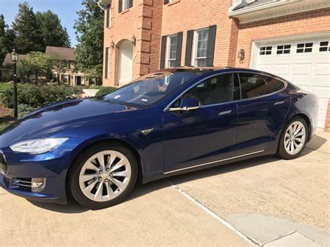 Tesla Model S Deep Blue Metallic