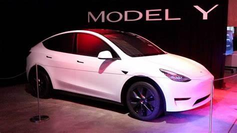 Tesla Model Y Pearl White Multi-Coat