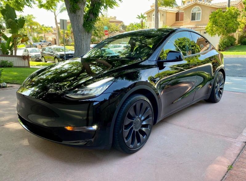Tesla Model Y Solid Black