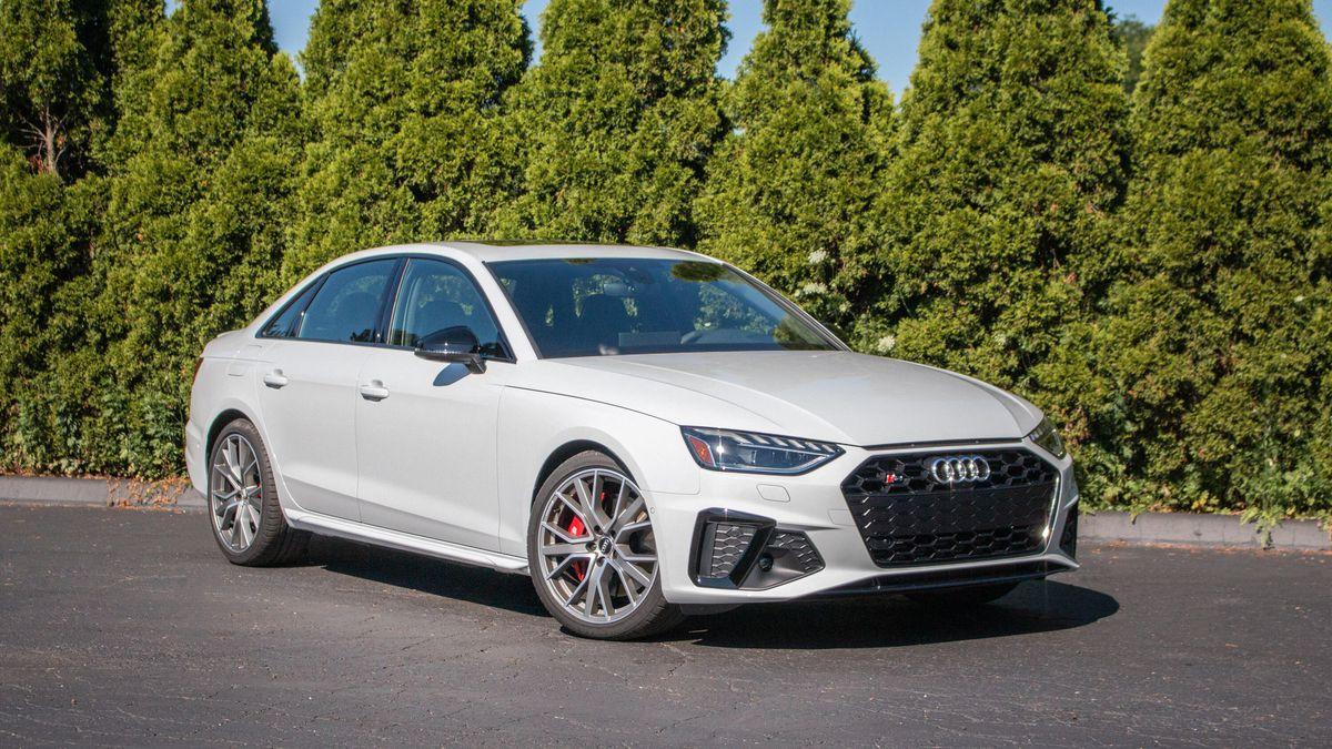 Audi S4 Glacier white metallic