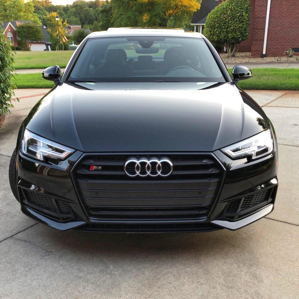 Audi A7 Brilliant black and Mythos Black