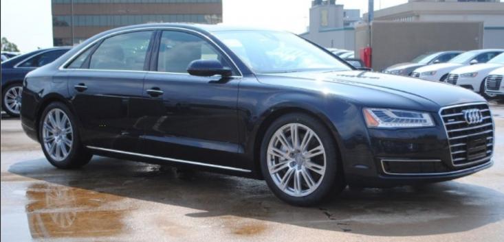 Audi A8 Moonlight blue metallic
