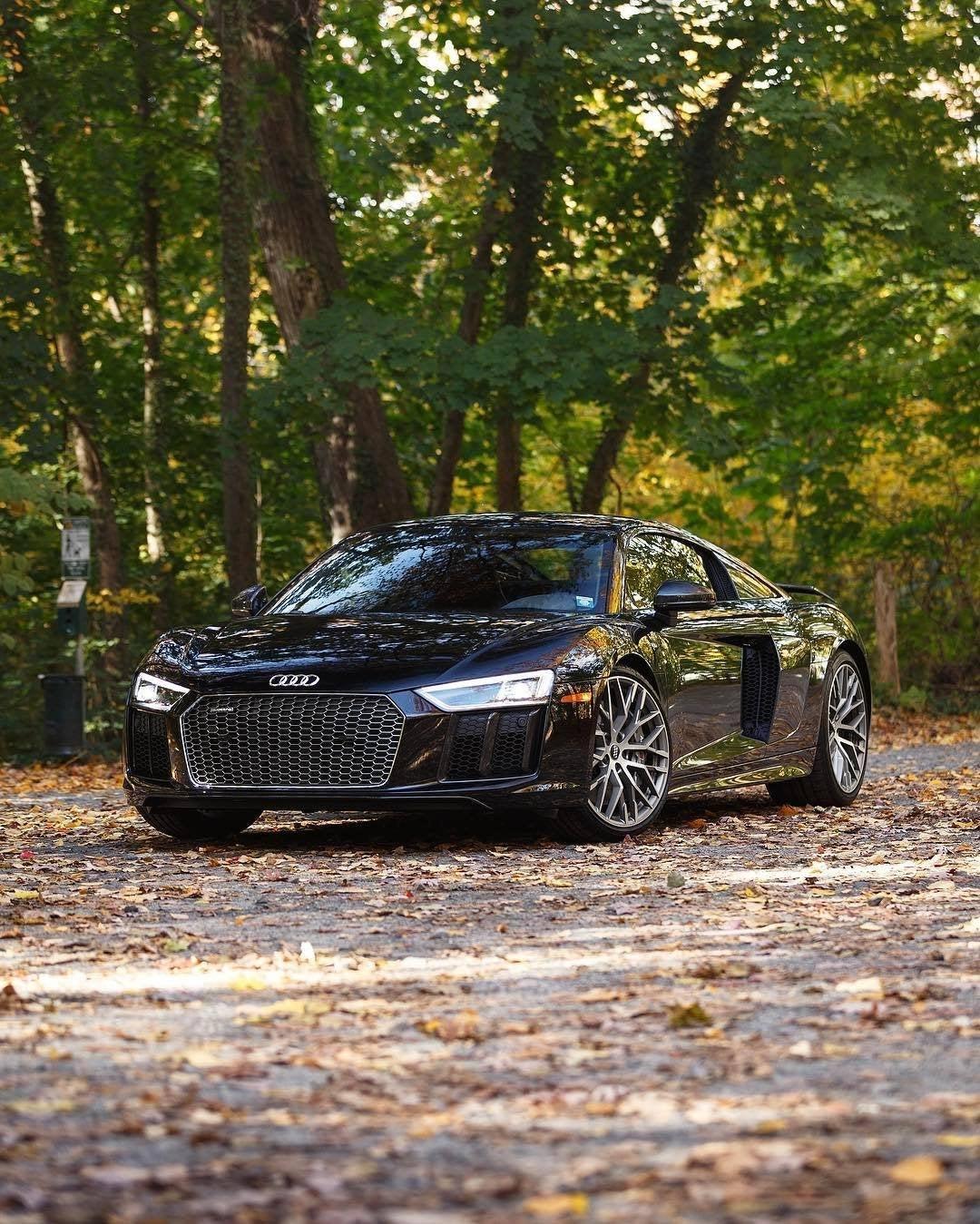 Audi A8 Mythos Black Metallic
